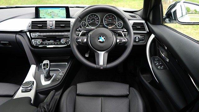 車検を安く済ませるために自分でできる車の点検&交換・補充をしておきたい項目