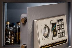 地震や火災でも大切なものを守る「耐火・耐水収納ボックス」