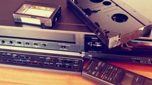 消滅してしまう前にVHSで撮りためたビデオを再生する「VHSビデオプレーヤー」