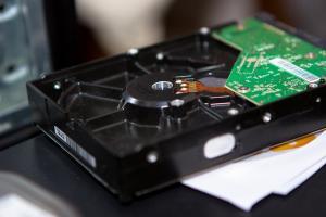 古いパソコンのハードディスクを再利用してデータ保管や録画用用ディスクにできる「外付けハードディスクケース」